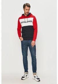 Czerwona bluza nierozpinana Jack & Jones z kapturem, casualowa, na co dzień