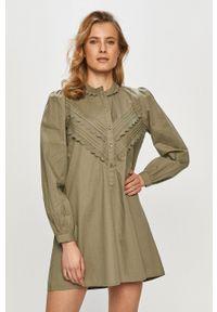 Jacqueline de Yong - Sukienka. Kolor: zielony. Materiał: tkanina, bawełna. Wzór: gładki. Typ sukienki: rozkloszowane