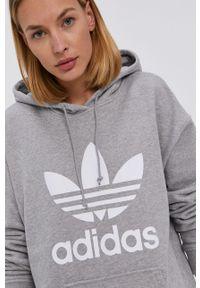adidas Originals - Bluza bawełniana. Typ kołnierza: kaptur. Kolor: szary. Materiał: bawełna. Wzór: nadruk