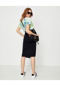 ONETEASPOON - Czarna spódnica z rozcięciem Society. Stan: podwyższony. Kolor: czarny. Materiał: jeans. Wzór: nadruk, gładki, aplikacja, kolorowy. Styl: klasyczny