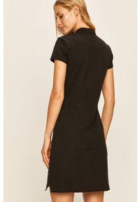 Czarna sukienka TOMMY HILFIGER na co dzień, casualowa, prosta, z krótkim rękawem