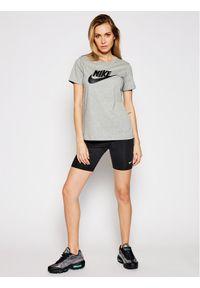 Nike T-Shirt Sportswear Essential Szary Standard Fit. Kolor: szary