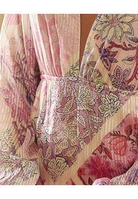 HEMANT & NANDITA - Sukienka mini z kwiatowym motywem. Okazja: na co dzień. Kolor: różowy, fioletowy, wielokolorowy. Materiał: materiał. Wzór: kwiaty. Styl: klasyczny, casual. Długość: mini