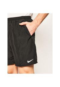 Czarne spodenki sportowe Nike do biegania