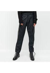 Czarne spodnie Reserved