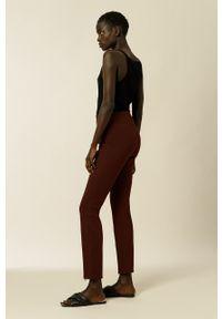 IVY & OAK - Spodnie. Okazja: na co dzień. Stan: podwyższony. Kolor: czerwony. Materiał: materiał. Styl: casual