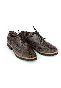 Zapato - półbuty - skóra naturalna - model 258 - kolor wąż. Nosek buta: okrągły. Zapięcie: sznurówki. Materiał: skóra. Wzór: kolorowy. Sezon: lato. Obcas: na obcasie. Styl: elegancki, klasyczny. Wysokość obcasa: niski