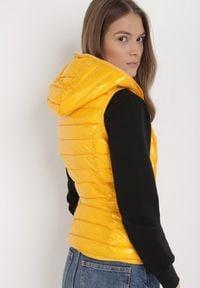 Born2be - Żółta Kamizelka Orphyse. Kolor: żółty