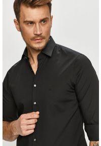 Czarna koszula Calvin Klein z klasycznym kołnierzykiem, elegancka, z długim rękawem