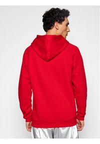 Adidas - adidas Bluza adicolor 3D Trefoil Graphic GN3554 Czerwony Regular Fit. Kolor: czerwony