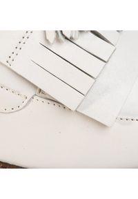 Białe półbuty Caprice na co dzień, z cholewką