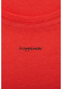 Czerwony t-shirt outhorn z nadrukiem