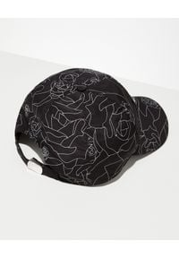 Les Hommes - LES HOMMES - Czarna czapka z daszkiem. Kolor: czarny. Materiał: materiał. Wzór: aplikacja, nadruk, geometria. Styl: elegancki