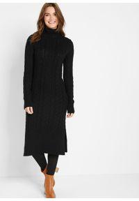 Długa sukienka dzianinowa w strukturalny wzór bonprix czarny. Typ kołnierza: golf. Kolor: czarny. Materiał: dzianina. Długość: maxi
