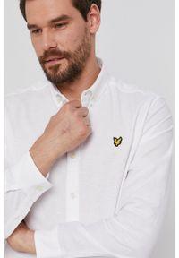 Lyle & Scott - Koszula. Okazja: na co dzień. Typ kołnierza: button down. Kolor: biały. Materiał: tkanina. Styl: casual