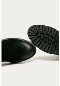 Czarne botki Wrangler z okrągłym noskiem, z cholewką, bez obcasa