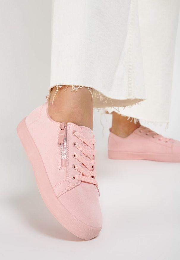 Różowe trampki Renee