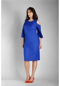 Nommo - Niebieska Prosta Midi Sukienka z Rozkloszowanym Rękawem PLUS SIZE. Kolekcja: plus size. Kolor: niebieski. Materiał: wiskoza, poliester. Typ sukienki: dla puszystych, proste. Długość: midi