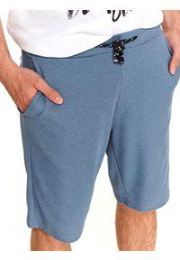 TOP SECRET - Dresowe szorty męskie z wiązaniem. Kolor: niebieski. Materiał: dresówka. Długość: do kolan. Sezon: lato. Styl: wakacyjny