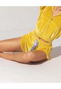 CUORI e PICCHE - Żółte szorty YELLOW NISO. Kolor: żółty. Materiał: żakard. Długość: długie. Wzór: aplikacja. Sezon: lato