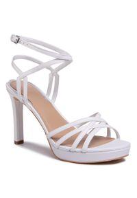 Białe sandały Guess eleganckie