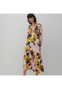 Reserved - Długa sukienka z wiskozy - Beżowy. Kolor: beżowy. Materiał: wiskoza. Długość: maxi