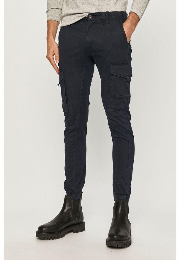 Jack & Jones - Spodnie. Okazja: na co dzień. Kolor: niebieski. Materiał: tkanina, elastan, bawełna. Wzór: gładki. Styl: casual