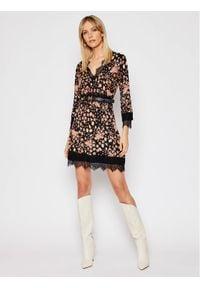 TwinSet Sukienka codzienna 202TP3502 Kolorowy Regular Fit. Okazja: na co dzień. Wzór: kolorowy. Typ sukienki: proste. Styl: casual