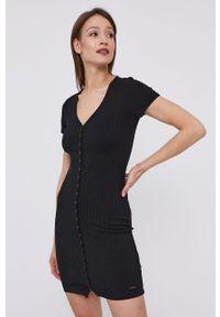 Czarna sukienka Guess casualowa, mini, na co dzień, dopasowana