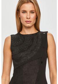 Czarna sukienka Desigual casualowa, prosta, mini, bez rękawów
