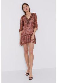 Nissa - NISSA - Sukienka. Kolor: różowy. Materiał: tkanina. Typ sukienki: rozkloszowane