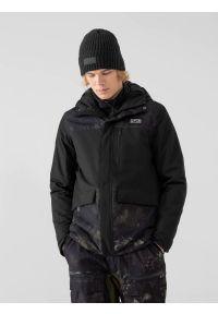4f - Kurtka snowboardowa membrana 8 000 męska. Typ kołnierza: kaptur. Kolor: czarny. Materiał: puch, materiał, syntetyk. Sezon: zima. Sport: snowboard