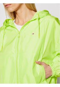 Tommy Jeans Kurtka przejściowa Yoke Tape Rib Windbreaker DW0DW09833 Zielony Regular Fit. Kolor: zielony