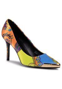 Szpilki Versace Jeans Couture na szpilce, w kolorowe wzory