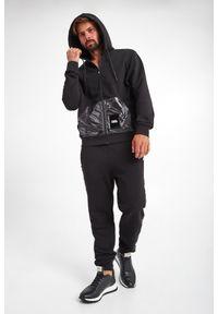Karl Lagerfeld - BLUZA KARL LAGERFELD. Typ kołnierza: kaptur. Materiał: lakier. Długość rękawa: długi rękaw. Długość: długie. Wzór: aplikacja