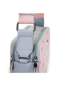 Wittchen - Damska listonoszka w litery pudełkowa. Kolor: różowy. Wzór: nadruk. Materiał: skórzane. Styl: klasyczny