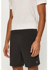 Czarne szorty Calvin Klein Performance gładkie, casualowe