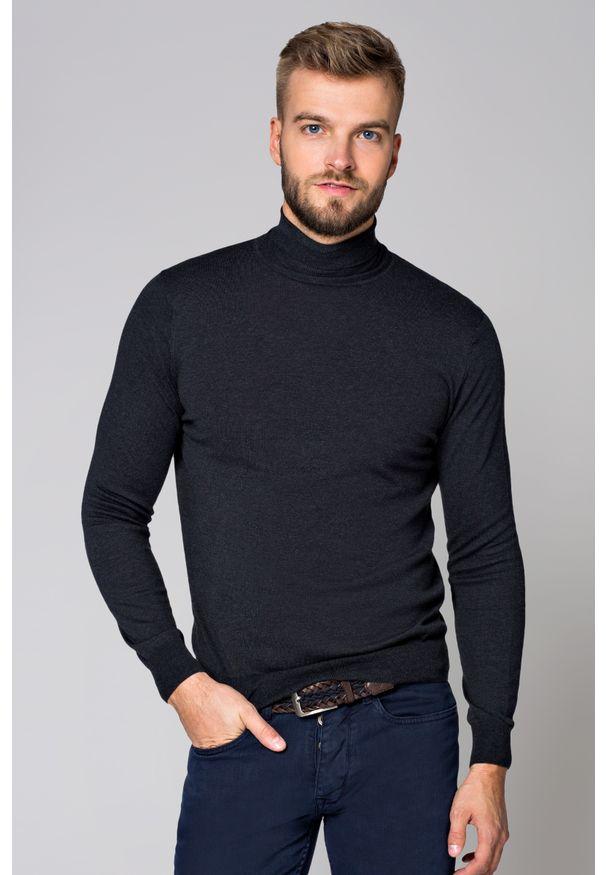 Szary sweter Lancerto z golfem, w kolorowe wzory, na spacer