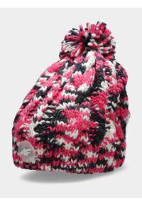 4f - Czapka zimowa z opaską polarową dziewczęca. Kolor: różowy. Materiał: polar. Wzór: ze splotem. Sezon: zima