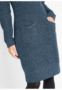 Sukienka dzianinowa z kapturem bonprix ciemnoniebiesko-czarny melanż. Typ kołnierza: kaptur. Kolor: niebieski. Materiał: dzianina. Wzór: melanż