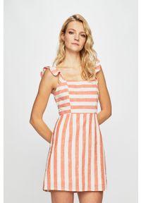 Pomarańczowa sukienka Glamorous z dekoltem karo, dopasowana, na co dzień, mini