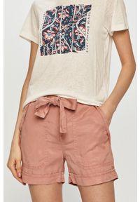 Pepe Jeans - Szorty Nomad. Kolor: różowy. Materiał: tkanina. Wzór: gładki