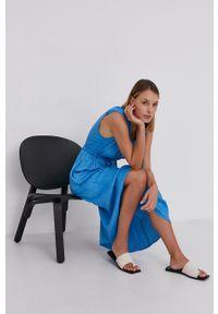 Answear Lab - Sukienka. Typ kołnierza: kołnierzyk stójkowy. Kolor: niebieski. Materiał: tkanina, materiał. Typ sukienki: rozkloszowane. Styl: wakacyjny