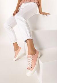 Born2be - Różowe Trampki Heliria. Okazja: na co dzień. Wysokość cholewki: przed kostkę. Nosek buta: okrągły. Kolor: różowy. Materiał: kauczuk, materiał, guma. Szerokość cholewki: normalna. Styl: sportowy, klasyczny, casual