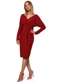 MOE - Dzianinowa Prążkowana Sukienka o Kopertowym Dekolcie - Ceglasta. Kolor: czerwony. Materiał: dzianina, prążkowany. Typ sukienki: kopertowe