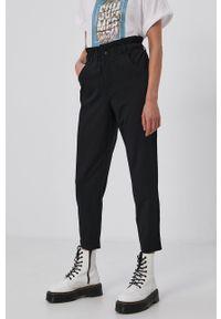 only - Only - Spodnie. Kolor: czarny. Materiał: wiskoza, materiał