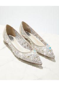 RENE CAOVILLA - Baleriny z kryształkami Cinderella. Nosek buta: okrągły. Kolor: szary. Materiał: koronka. Wzór: koronka, aplikacja. Obcas: na obcasie. Wysokość obcasa: średni #5