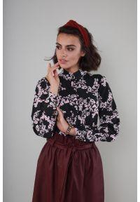 Koszula Nommo ze stójką, elegancka, w kwiaty