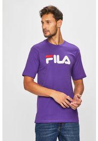 Fioletowy t-shirt Fila casualowy, z okrągłym kołnierzem, na co dzień, z nadrukiem