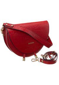 Czerwona torebka Badura z tłoczeniem